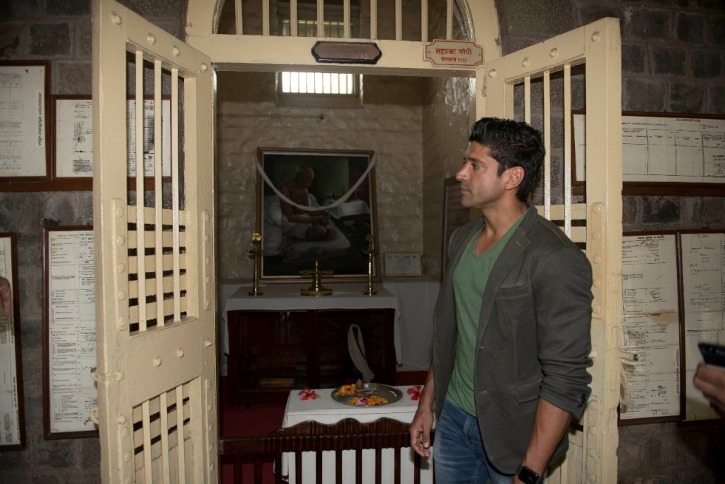 Farhan Akhtar visiting the prison cell where Mahatma Gandhi was imprisoned.